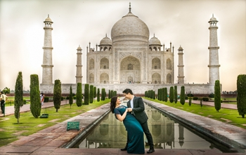 Honeymoon Package with Taj Mahal