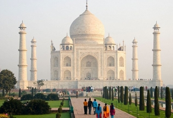 Taj Mahal tour package from the cruise ship